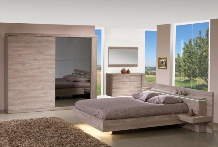 Bed (140x200) met nachttafels