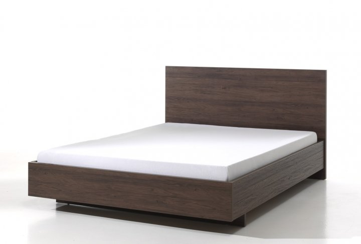 Bed 140 x 200 (incl. middenlat) in noot