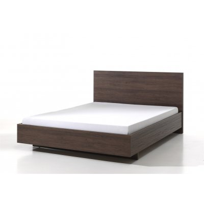 Bed 140 x 200 (incl. middenlat) in noot